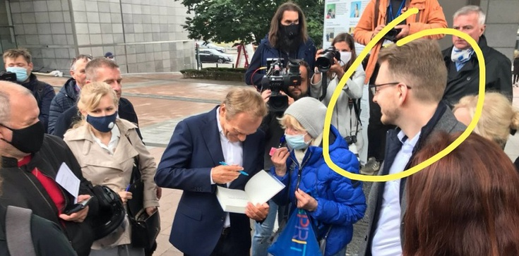 Jak troll z trollem, czyli Tusk i admin Soku z Buraka zbierają podpisy dla Trzaskowskiego - zdjęcie