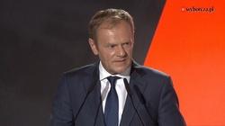 Tusk znów atakuje rząd po protestach: ,,Wódz, jego Partia iKapłani'' - miniaturka