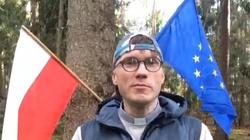 Skandal! Działacz LGBT spalił flagę Polski - miniaturka
