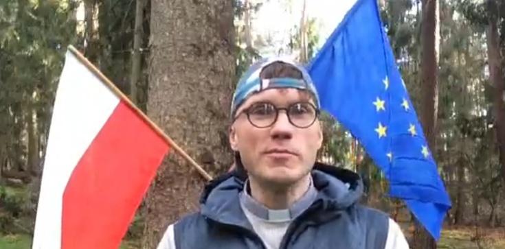 Działacz LGBT spalił flagę Polski. Prokuratura wszczęła śledztwo - zdjęcie
