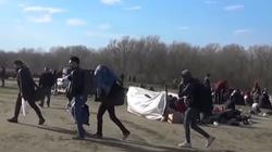 Caritas Europa apeluje o ewakuację obozów dla uchodźców - miniaturka