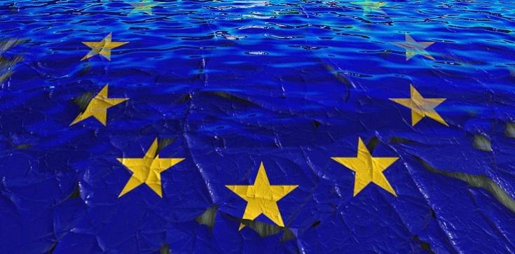 Komisja Europejska będzie karać partie za poglądy? - zdjęcie