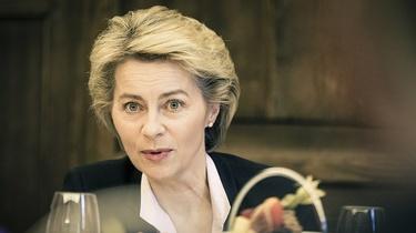 Przewodnicząca KE chce odebrać Polsce fundusze - miniaturka