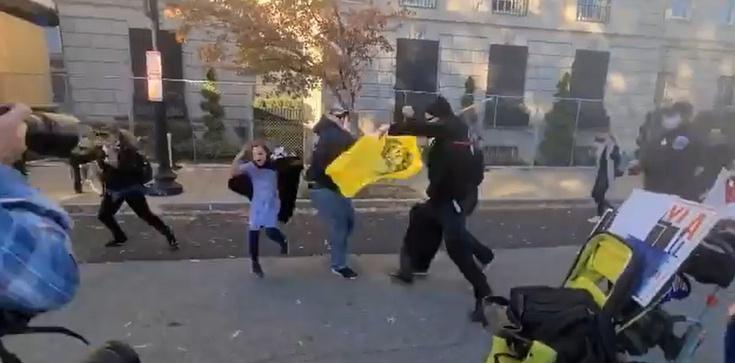 Waszyngton. Antifa zatakowała zwolenników Donalda Trumpa [Wideo 18+] - zdjęcie