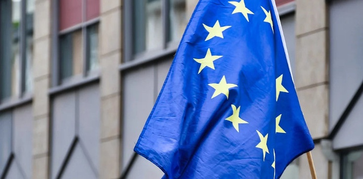 Z-ca prezydenta Gdańska: Flaga Polski to flaga UE - zdjęcie