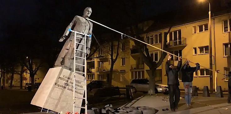 Obalili pomnik ks. Jankowskiego. Są już zarzuty - zdjęcie