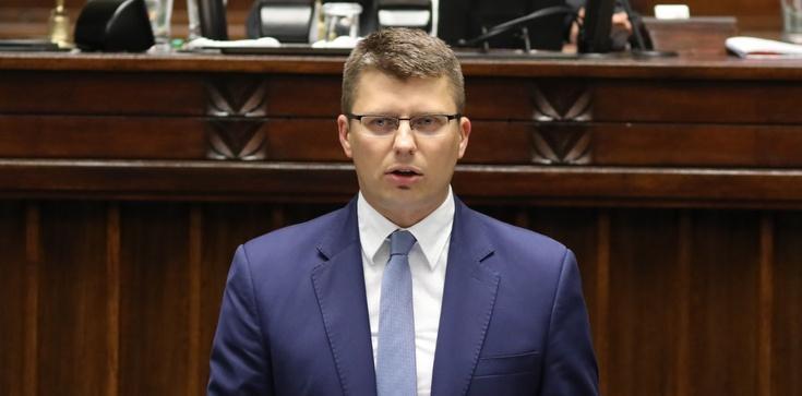 TYLKO U NAS! Marcin Warchoł: Sędziowie nie mogą wybierać sędziów. To europejski standard - zdjęcie