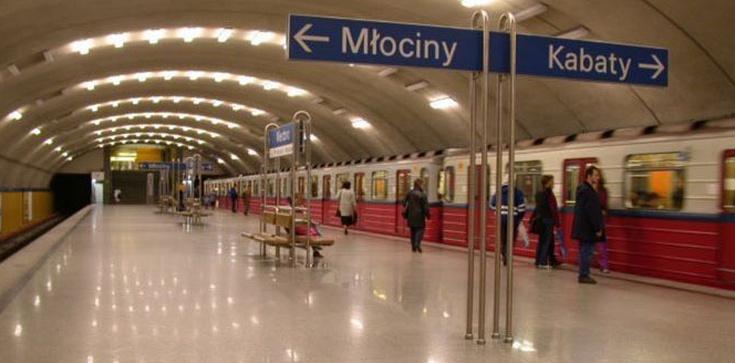 Alarm bombowy w warszawskim metrze - zdjęcie