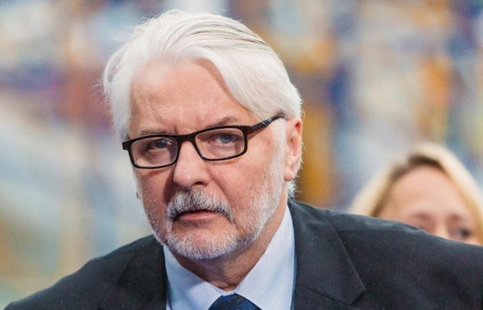 Waszczykowski: Wszczęta procedura ma służyć obaleniu rządu w Polsce - zdjęcie