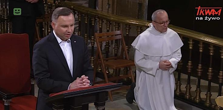 Prezydent modlił się za Polskę na Jasnej Górze - zdjęcie