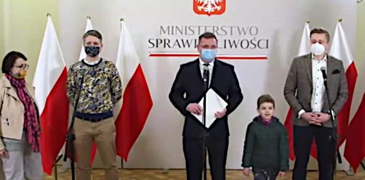 Ośmioletni Martin zostaje w Polsce. Wójcik: Dziękuję wszystkim, którzy brali udział w pomocy tej rodzinie - zdjęcie