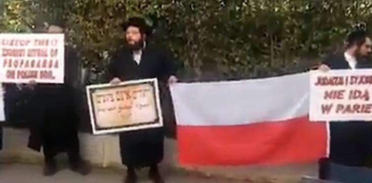 Ortodoksyjni Żydzi w obronie Polski przed ambasadą w Tel Awiwie  - zdjęcie