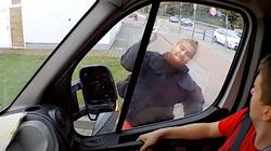 Kolejny atak na furgonetkę Fundacji Pro - Prawo do Życia! Szokujące nagranie [ZOBACZ] - miniaturka