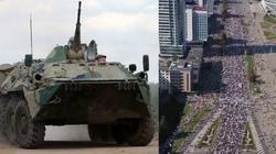 Białorusini się nie poddają! Setki tysięcy ludzi na ulicach, Łukaszenka wysłał wozy opancerzone - miniaturka