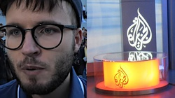 Lider LGBT skarży się na nietolerancję w Polsce... arabskiej TV. W Katarze groziłaby mu śmierć - miniaturka