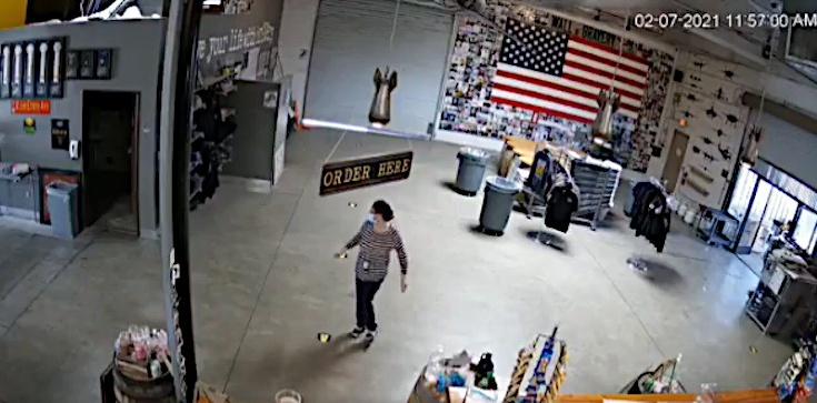 USA: Urzędnik kazała zamknąć firmę, potem... zaczęła tańczyć - zdjęcie