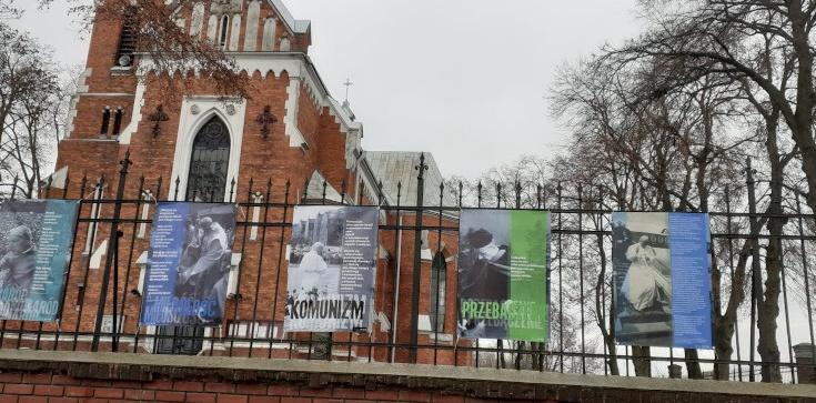 Zniszczona wystawa powraca do Rejowca - zdjęcie