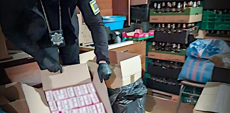 Cela plus: Policja uderza w handel lewymi papierosami - zdjęcie