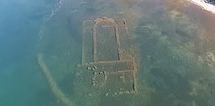 Niezwykłe! Ruiny bazyliki na dnie jeziora. Mają 1600 lat! - zdjęcie