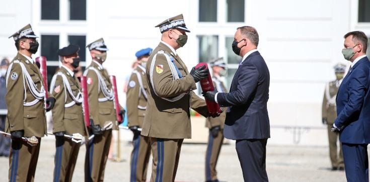 Prezydent: To jedne z najbardziej symbolicznych nominacji generalskich w historii Wojska Polskiego - zdjęcie