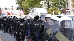 ,,Bób, hummus, włoszczyzna''. Homomarsz w Lublinie, policja użyła gazu łzawiącego - miniaturka
