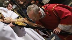 Abp Marek Jędraszewski: Krzyż Chrystusa ukazuje potęgę Zbawiciela - miniaturka