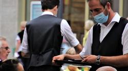 Europejskie kraje wychodzą z lockdownu. Wracają ogródki restauracyjne i szkoły - miniaturka