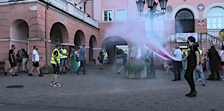 Iława: Pseudokibice rozbili manifestację LGBT - zdjęcie