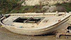 Rybacy znaleźli łódź wypełnioną po brzegi kokainą. Była warta fortunę - miniaturka