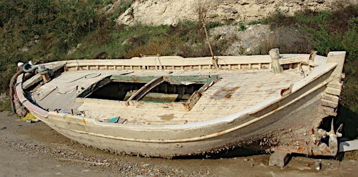 Rybacy znaleźli łódź wypełnioną po brzegi kokainą. Była warta fortunę - zdjęcie