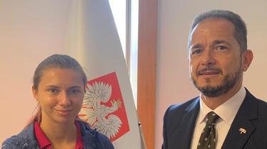 Ambasador RP rozmawiał z Cimanouską. Jeszcze dziś wyleci do Polski - miniaturka