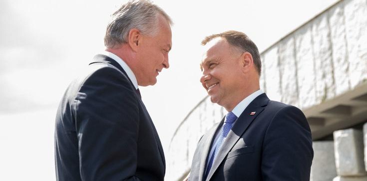 Prezydent Duda: Dzisiaj Polska i Litwa już bez mieczy, ale w przyjaźni współtworzą razem Europę - zdjęcie