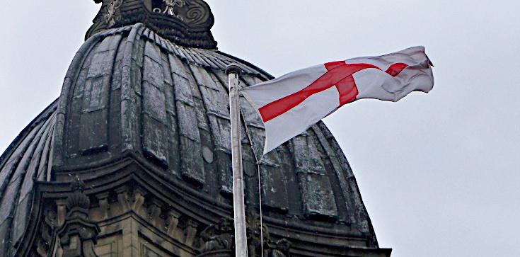 Facebook banuje za ,,dumę z bycia Anglikiem'' i św. Jerzego  - zdjęcie