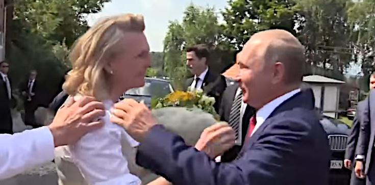 Na swoim weselu tańczyła z Putinem. Była szefowa MSZ Austrii właśnie dostała posadę w... Rosniefcie - zdjęcie