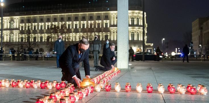 ,,To był dzień straszliwej tragedii''. Prezydent zapalił ,,Światło Wolności'' - zdjęcie