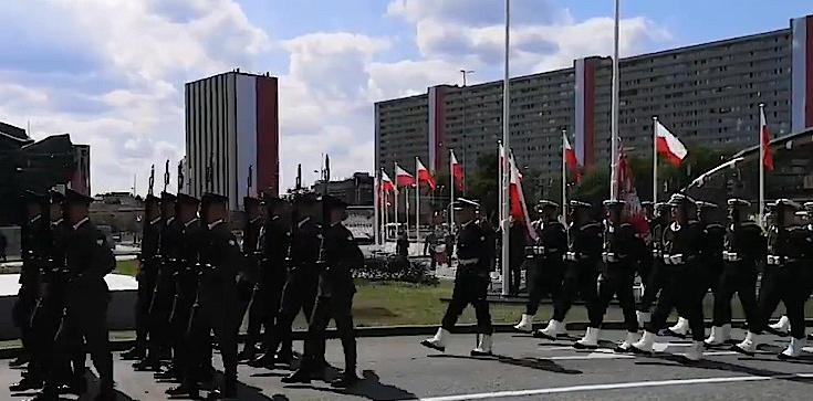 ,,Wierni Polsce''. Uroczysta defilada NA ŻYWO - zdjęcie
