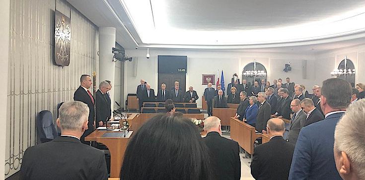 Minuta ciszy po śmierci Pawła Adamowicza, a senatorów PO brak... - zdjęcie