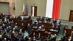 Sejm uczcił pamięć Pawła Adamowicza minutą ciszy i modlitwą - miniaturka