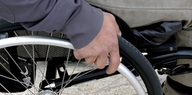 500 Plus dla niepełnosprawnych: Sejm przyjął ustawę - zdjęcie