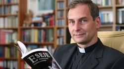 Ks. prof. Piotr Mazurkiewicz: Sekty atakują słabych w wierze - miniaturka