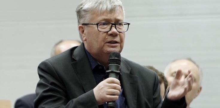 Ks. Wierzbicki w TVN: Represje wobec LGBT przypominają czasy komuny  - zdjęcie