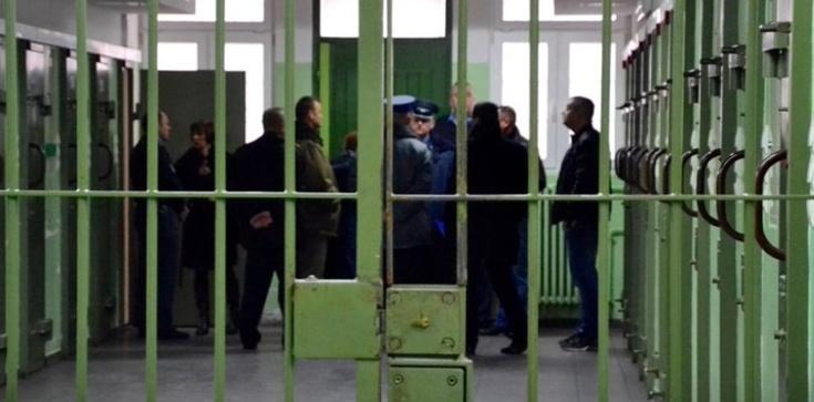 Komorowski ułaskawił w tym tygodniu 4 osoby  - zdjęcie