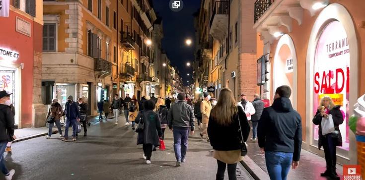 Włochy. Tłumy na ulicach i plażach. Władze straszą powrotem obostrzeń - zdjęcie