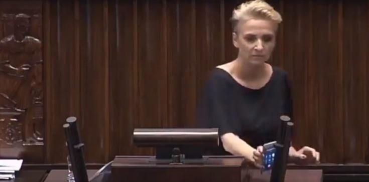 Beata Szydło odpowiada Scheuring-Wielgus. To trzeba zobaczyć! - zdjęcie