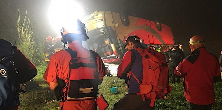 Wypadek autokaru na Podkarpaciu. 3 ofiary śmiertelne, kierowca zatrzymany - zdjęcie