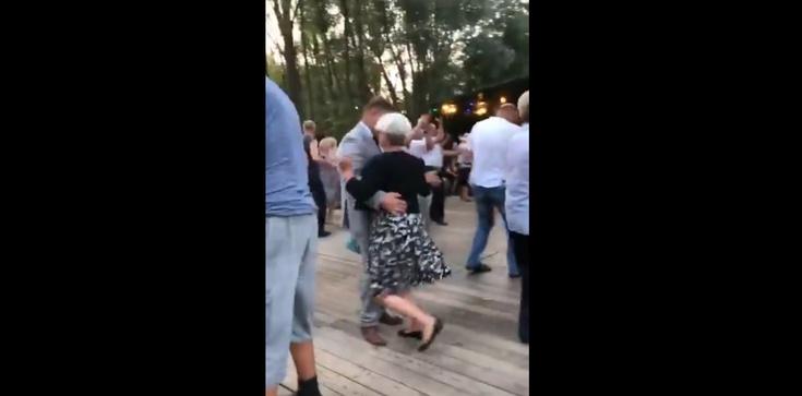 Tańce posłanki PO na 1 września - zdjęcie