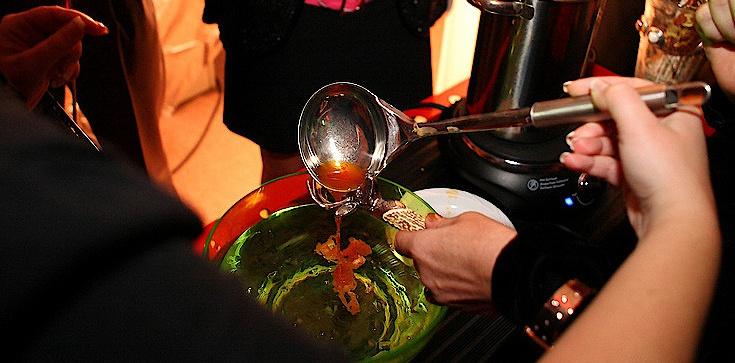 O. Prugar ostrzega:  Przelewanie wosku to czczenie demonów! To inicjacja ku ciemności! - zdjęcie