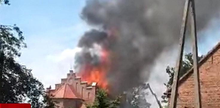 Pożar kościoła św. Apostołów Piotra i Pawła! Runęła część dachu - zdjęcie