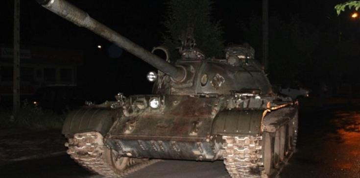 Łódzkie: Pijany wyjechał czołgiem na ulice miasta - zdjęcie