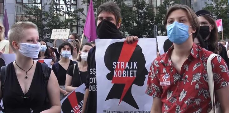 Niemcy: To skandal, że Polska wprowadza zakaz aborcji  - zdjęcie